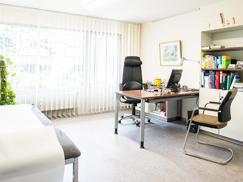 Hausarztpraxis Nentwig Behandlungszimmer